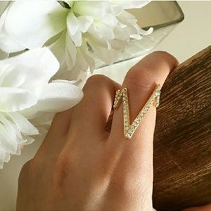 💎💎18k Gold Pave Czech Crystal EKG Ring